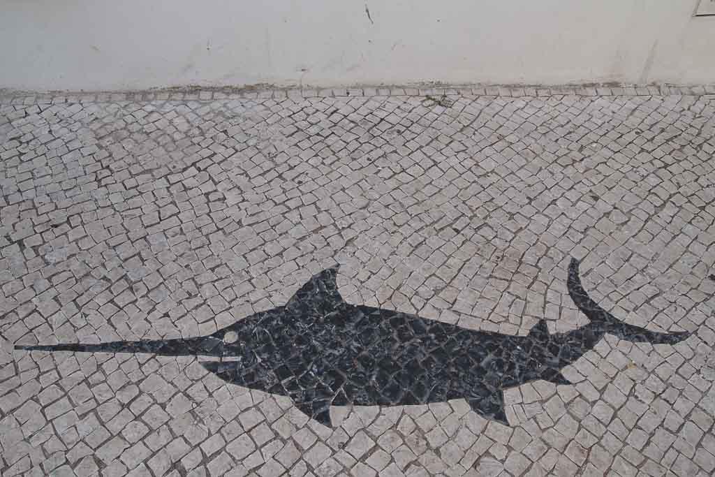 Mosaik auf den Straßen von Lagos