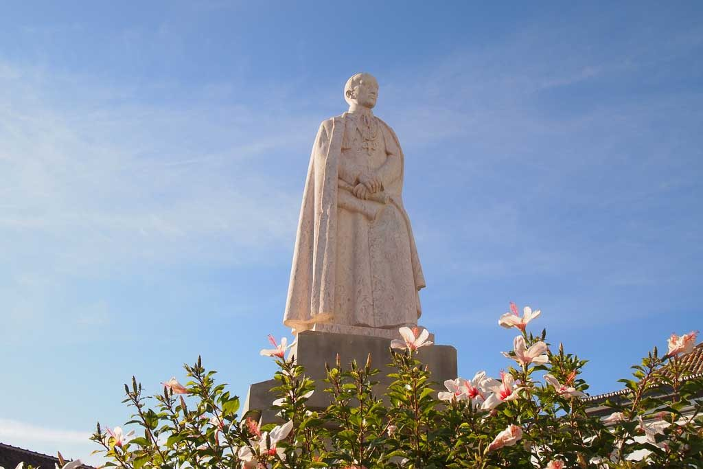 Statue Bischof Francisco Gomes in Portugal - Algarve