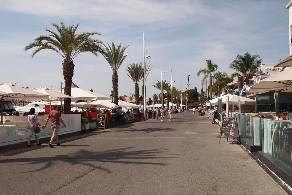 Promenade in Vilamoura - Algarve