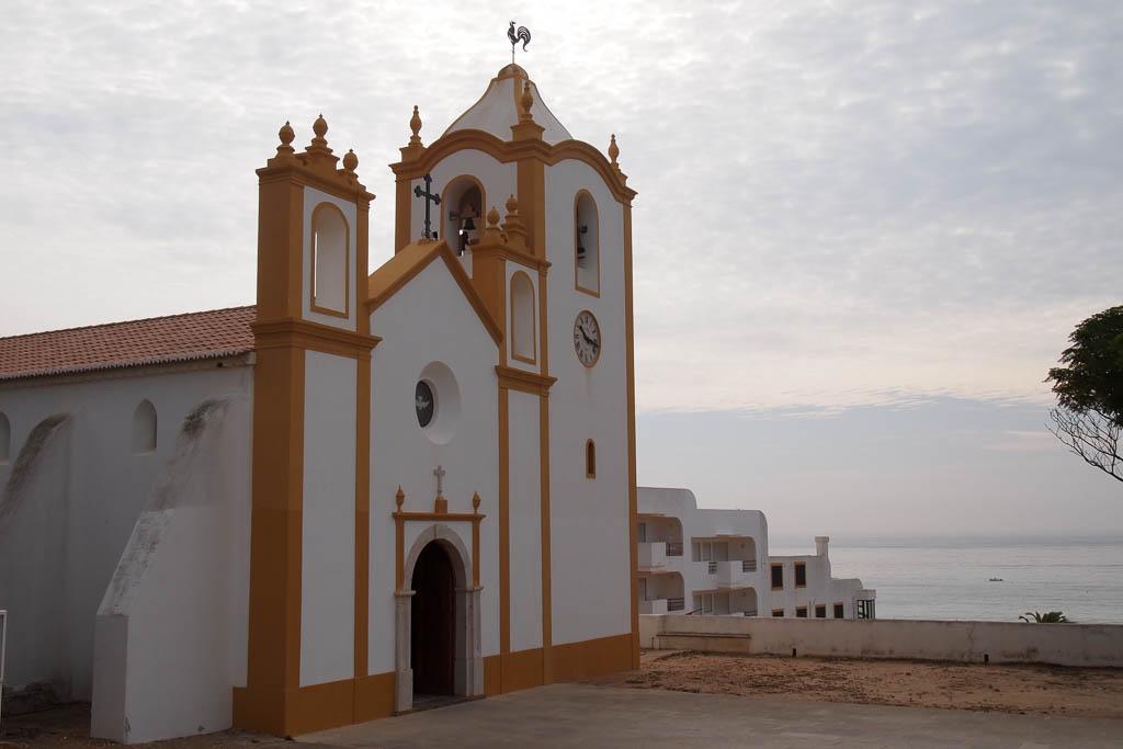 Kirche bei Burgau an der Algarve