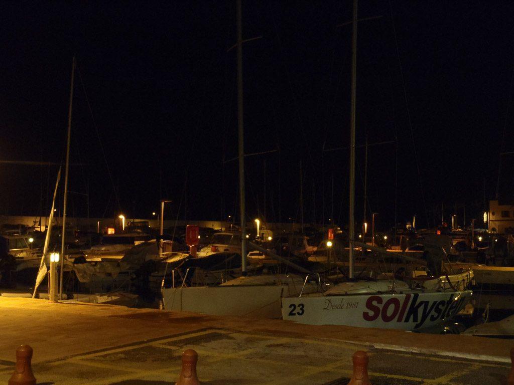 Hafen Marbella bei Nacht