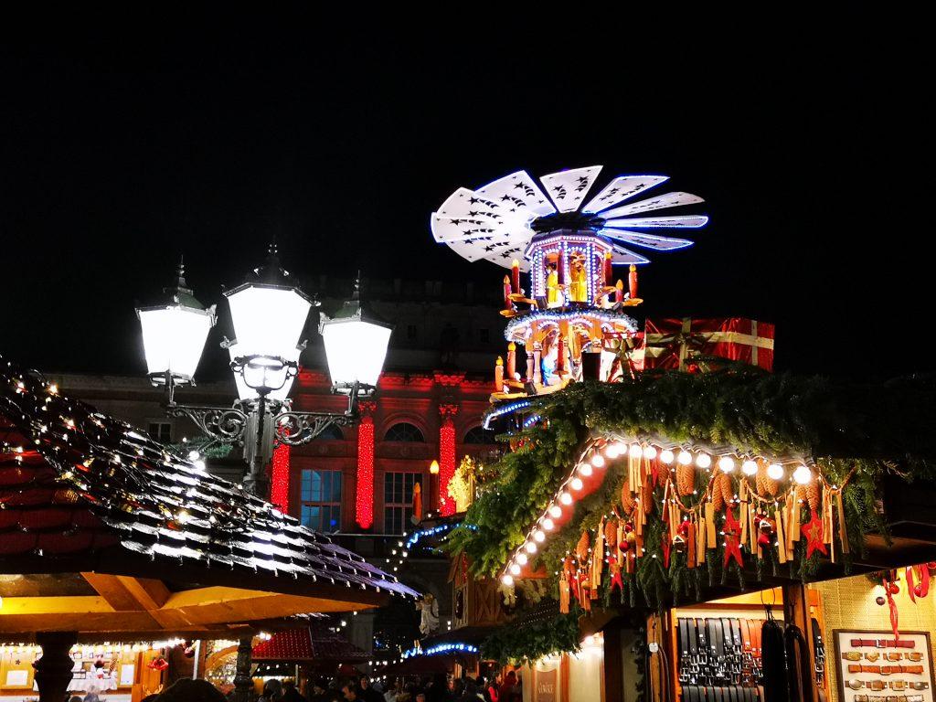 Foto: Christkindlesmarkt Friedrichsplatz