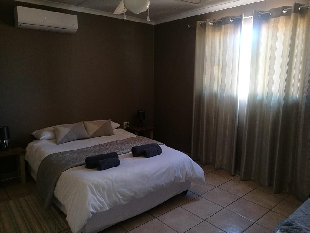 Schlafzimmer in der Jansen Kalahari Guest Farm