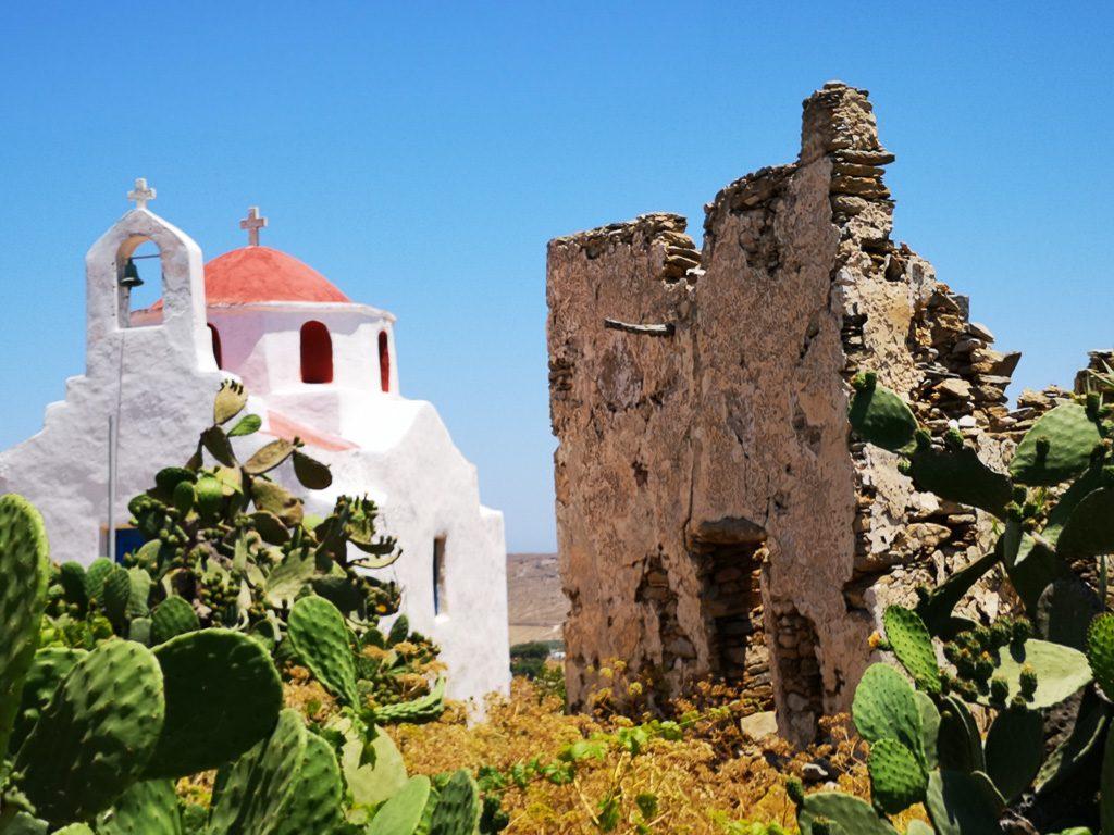 Burgruine und Kapelle von Ana Mera