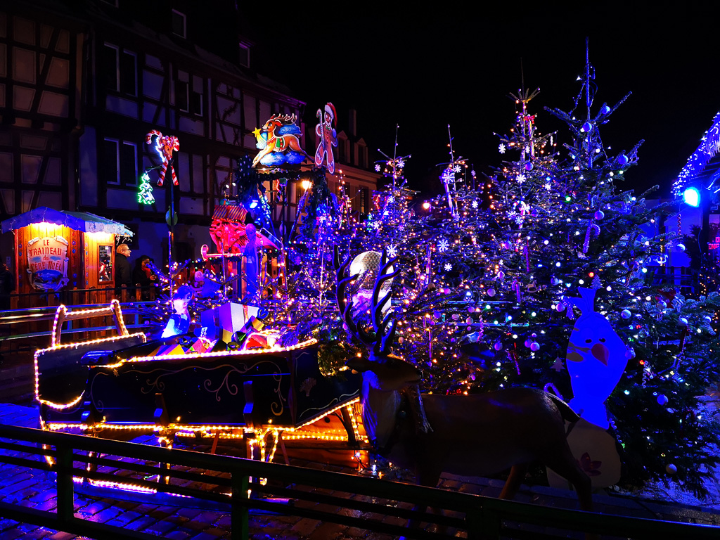 Weihnachtsmarkt in Colmar bei Nacht