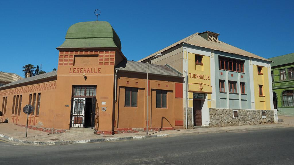 Lesehalle & Turnhalle in Lüderitz Namibia