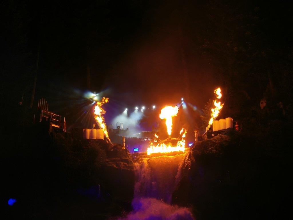 Feuershow beim Triberger Weihnachtszauber