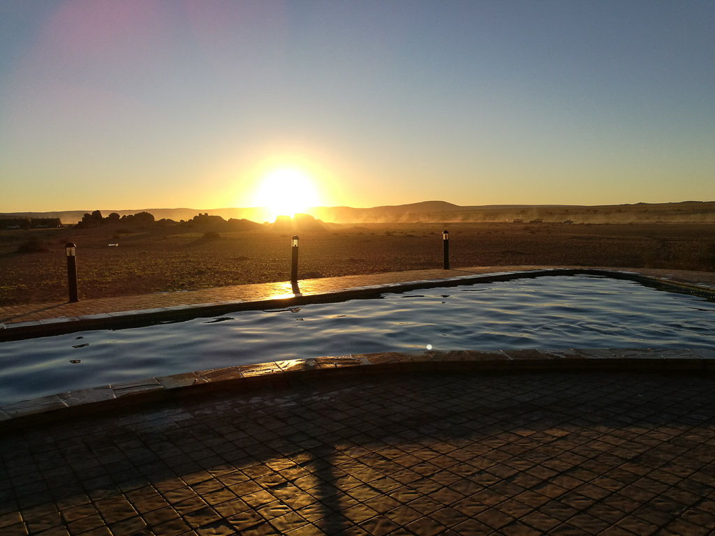 Foto: Pool im Desert Quiver Camp - Namibia