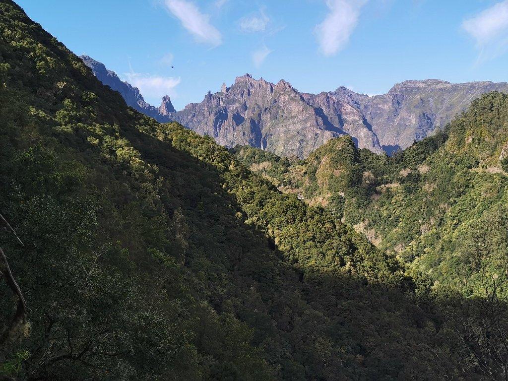 Blick auf die Gipfel von Madeira