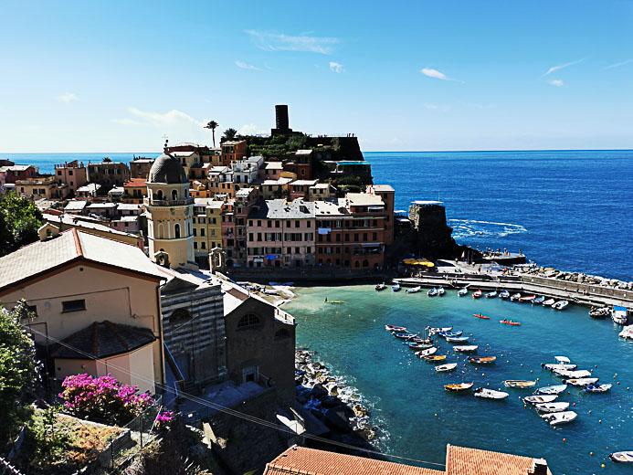 Der Ort Vernazza in Cinque Terre - Toskana