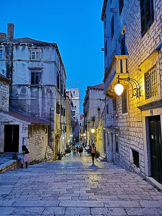 Gasse in Sibenik - Kroatien